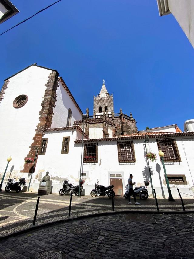 Die Kathedrale von Funchal
