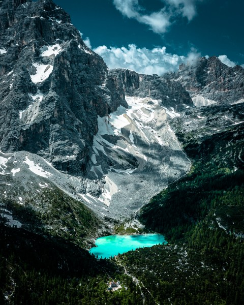 Türkises Blau in den Dolomiten