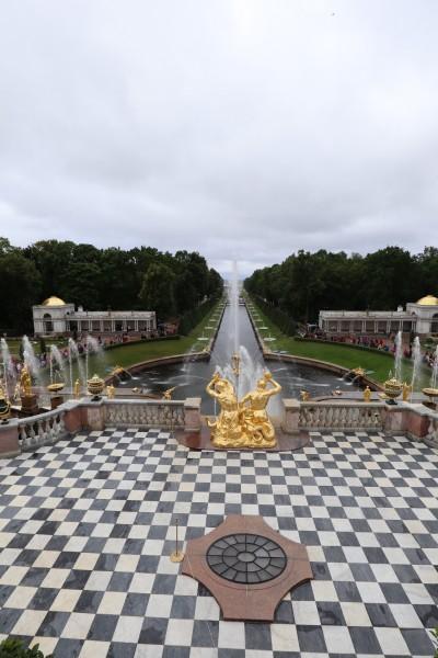 Blick vom Peterhof Richtung Meer