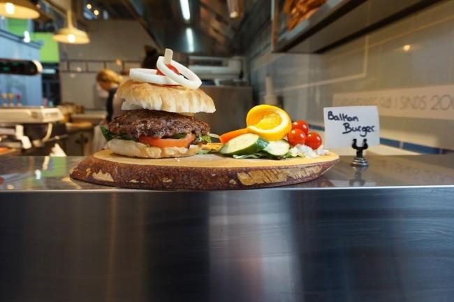 Burger in der Rotterdamer Markthalle