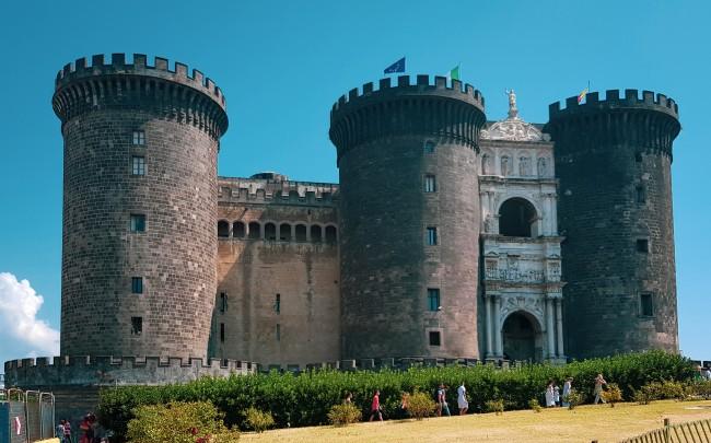 Castel Nuovo im Zentrum von Neapel